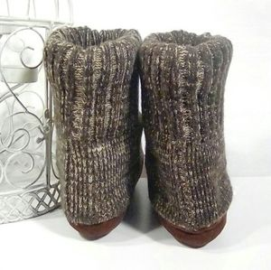 Mudd Shoes Brown Rolled Over Sock Indoor Slipper Boots